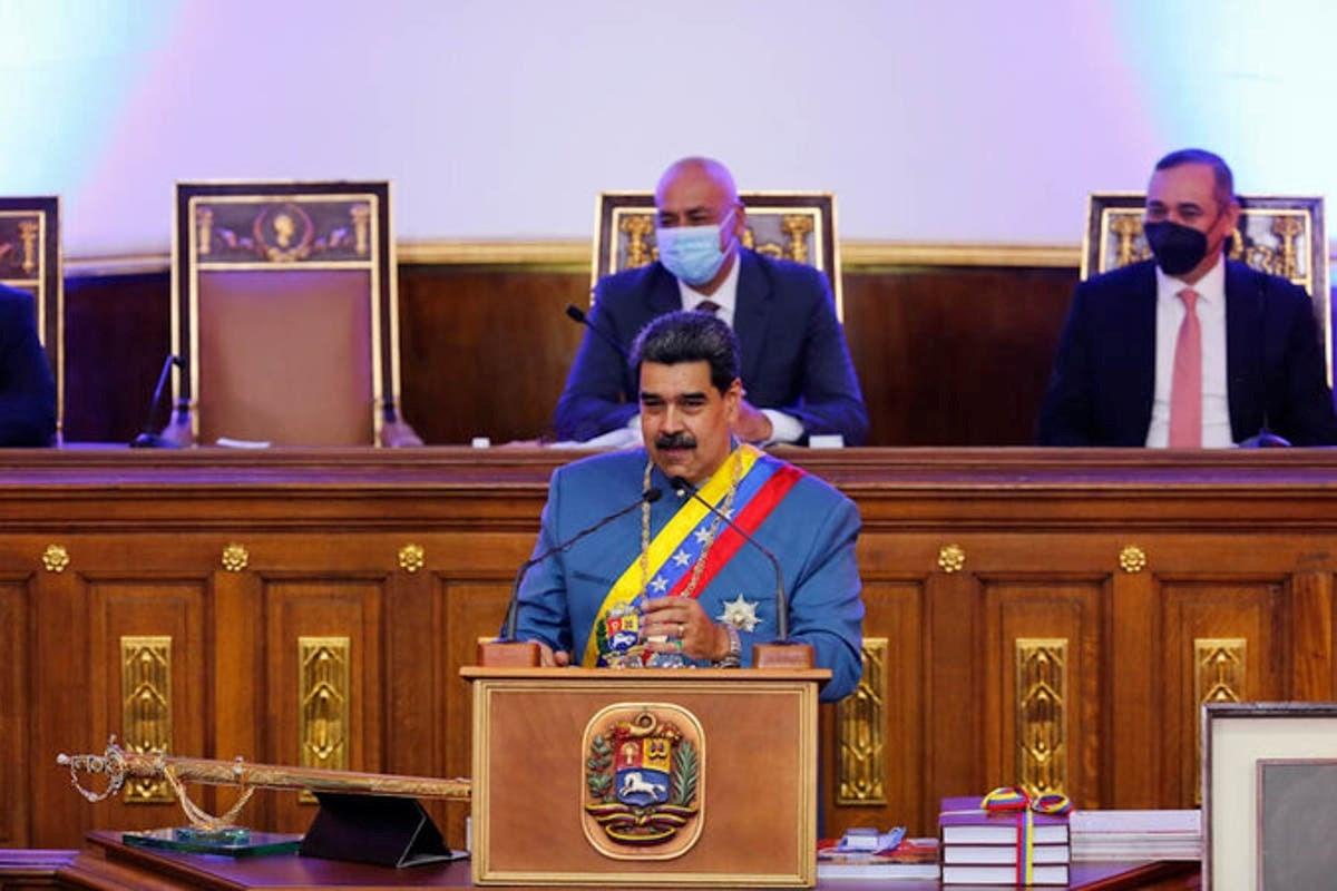 مادورو: مستعدون للتفاوض مع المستثمرين، وهدفنا رفع الإنتاج النفطي في الأسواق العالمية
