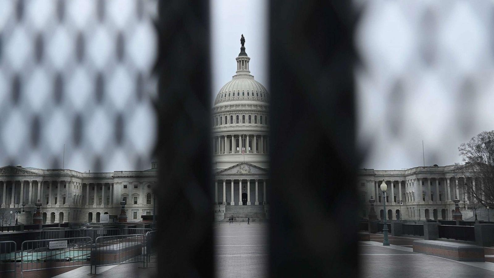 ترامب قد يُحاكم بعد تسليم السلطة.. وجمهوريون يحذرون من انقسام البلاد