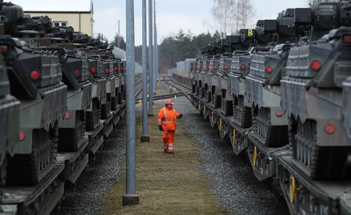 شكَّل العام 2008 بداية بروز الانتقادات الداخلية لسياسات تصدير المنتجات العسكرية الألمانية.