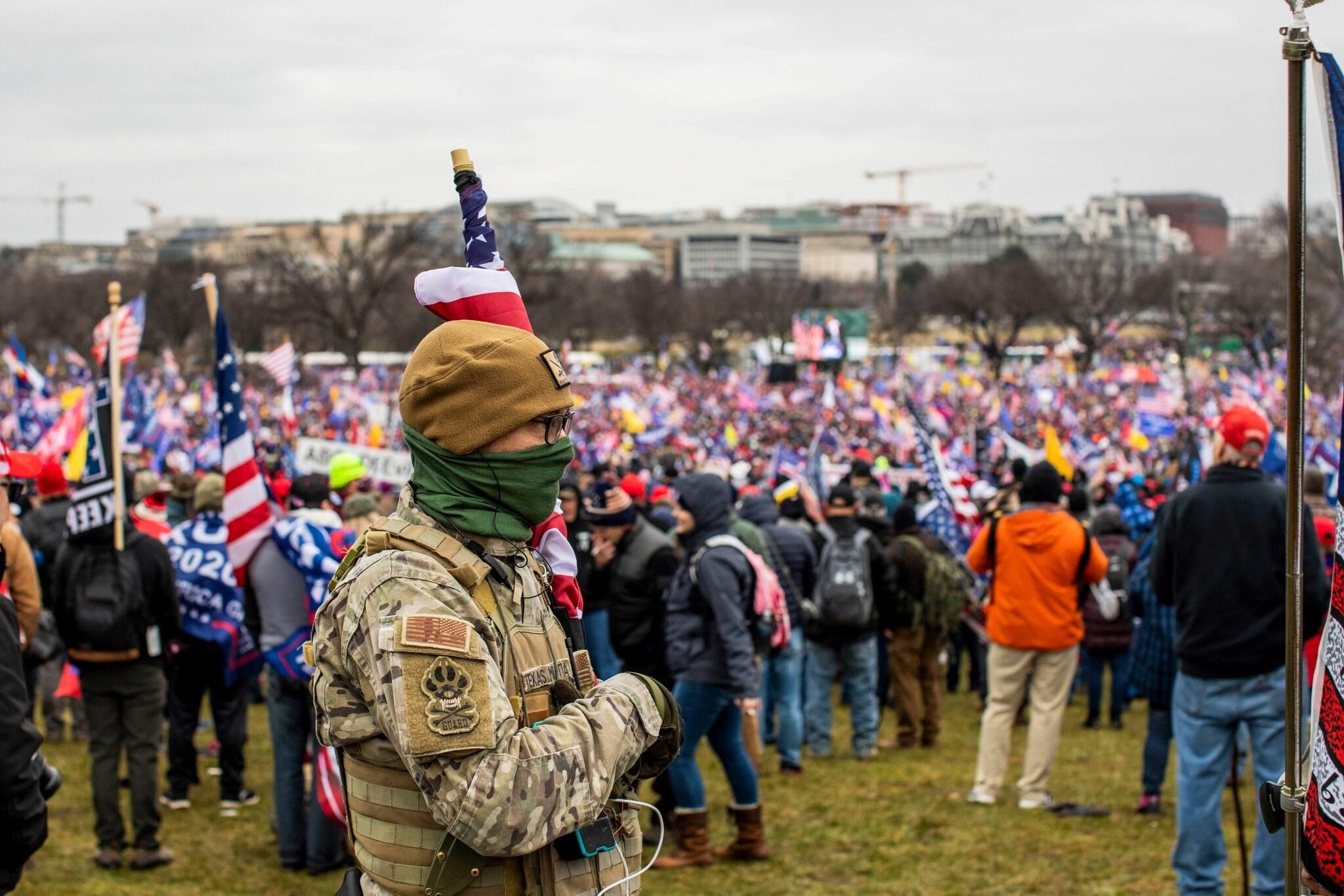 تجمع لأنصار ترامب قرب نصب واشنطن التذكاري الأسبوع الماضي - الصورة لـ