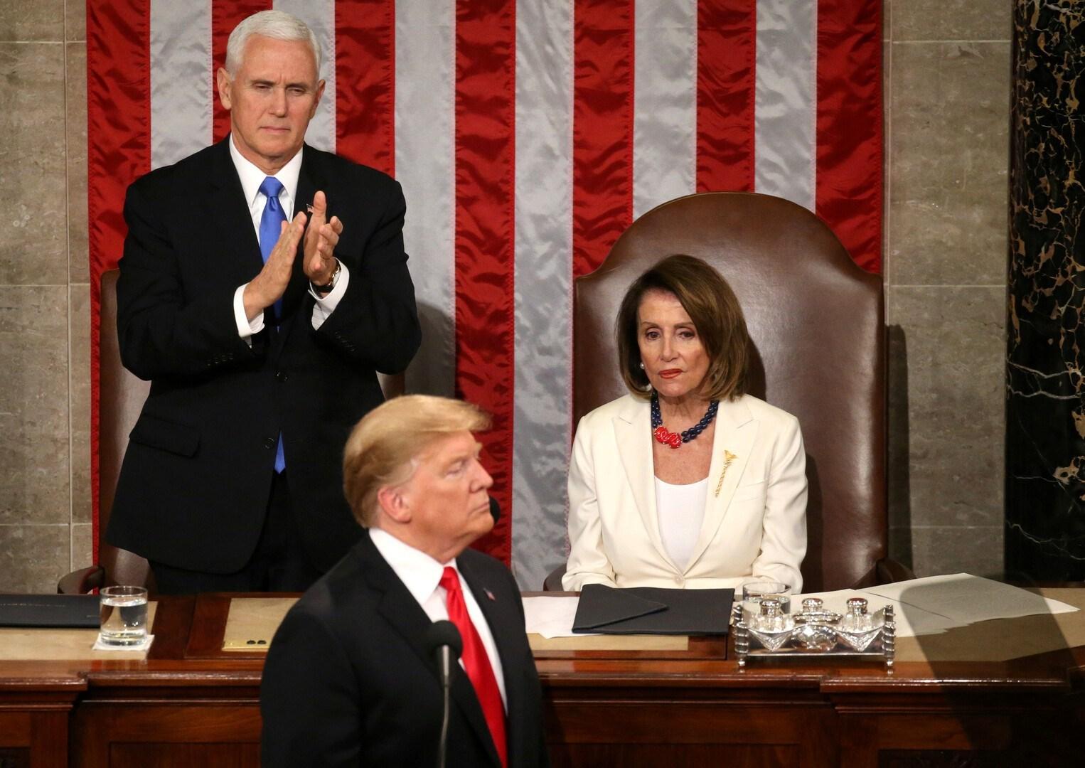 يتذرّع الديمقراطيّون بأنّ الرئيس دونالد ترامب، أصبح فاقداً للأهليّة