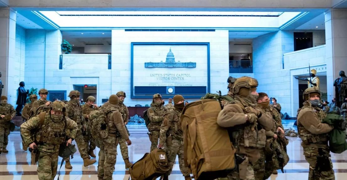 الحرس الوطني ينتشر داخل أروقة مبنى الكابيتول.. وبيلوسي: لا أحد فوق القانون