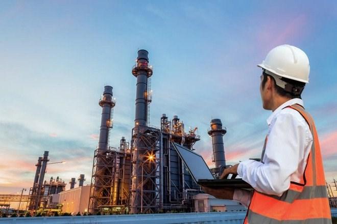 هبوط أسعار النفط بعد اغلاق عام في الصين وبيانات البطالة الأميركية