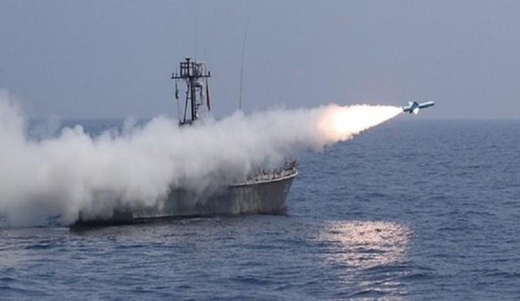 البحرية الإيرانية أجرت مناورات في مياه بحر عمان وسواحل
