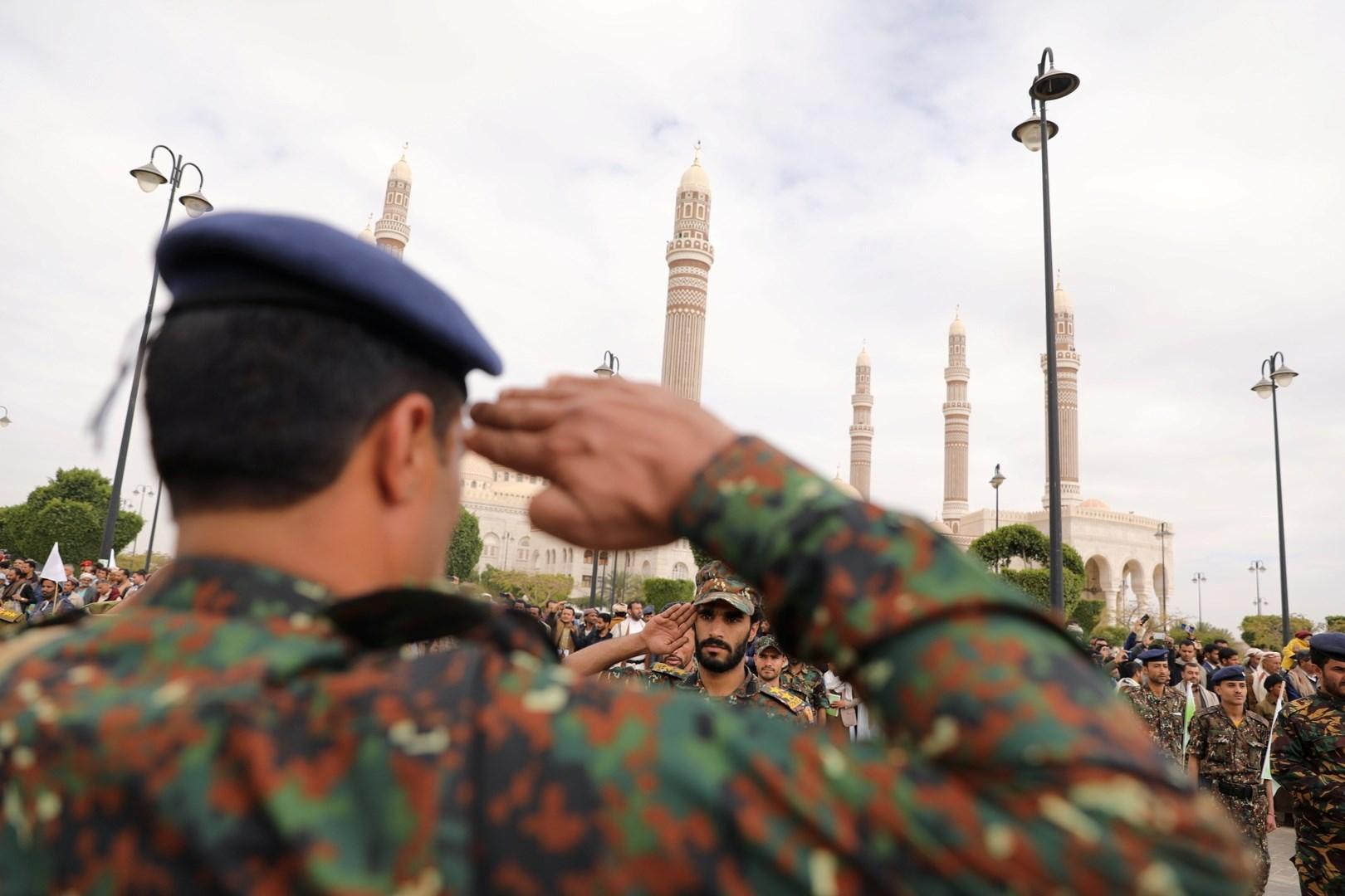 وزير الدفاع اليمني: العدوان لن يتوقف إلا بالقوة