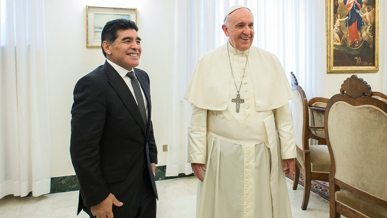 البابا فرانسيس ومارادونا (أرشيف)