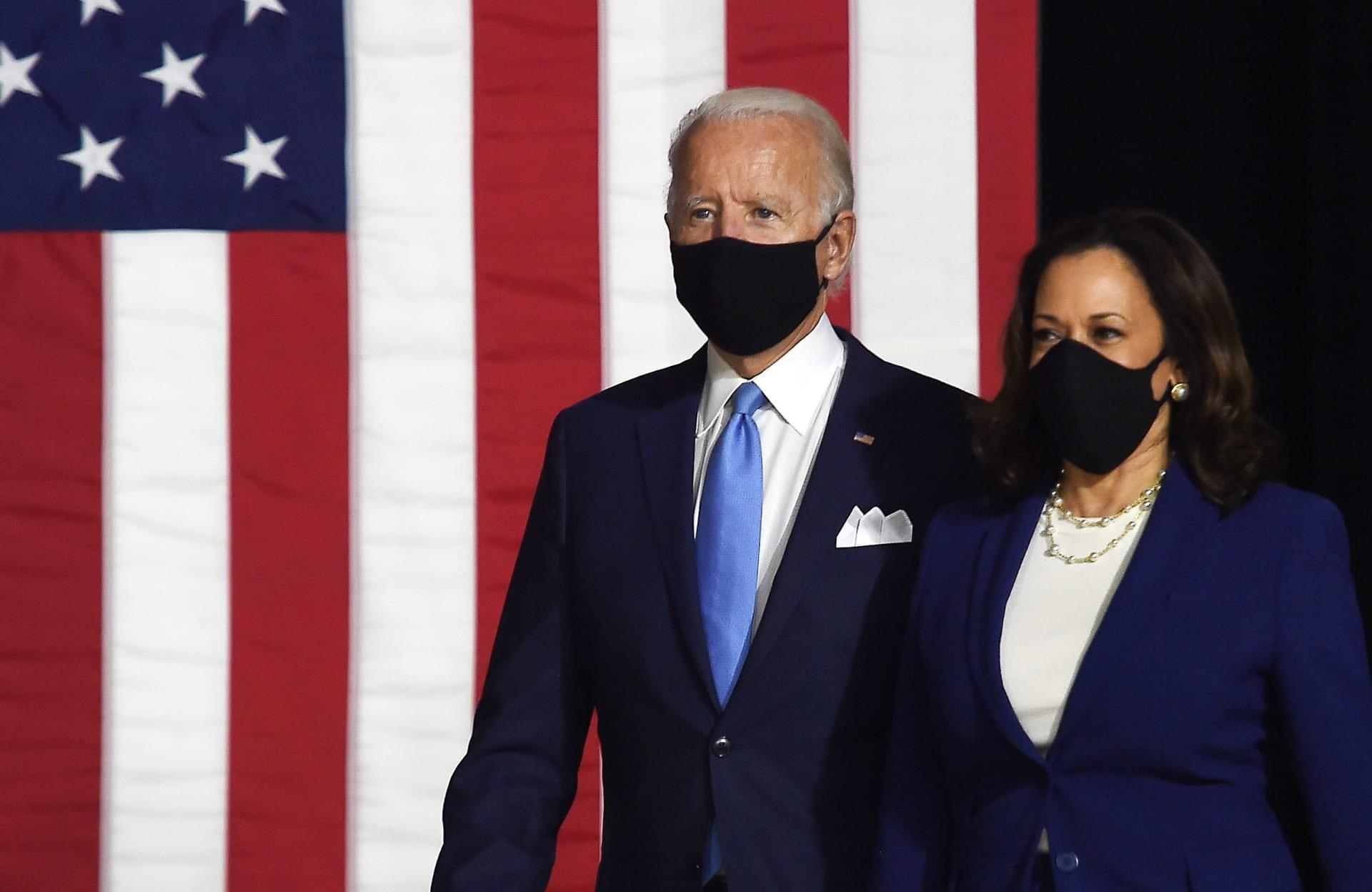 الرئيس الأميركي جو بايدن ونائبته كامالا هاريس