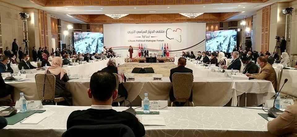 طرفا النزاع في ليبيا يتفقان على الاستفتاء حول الدستور