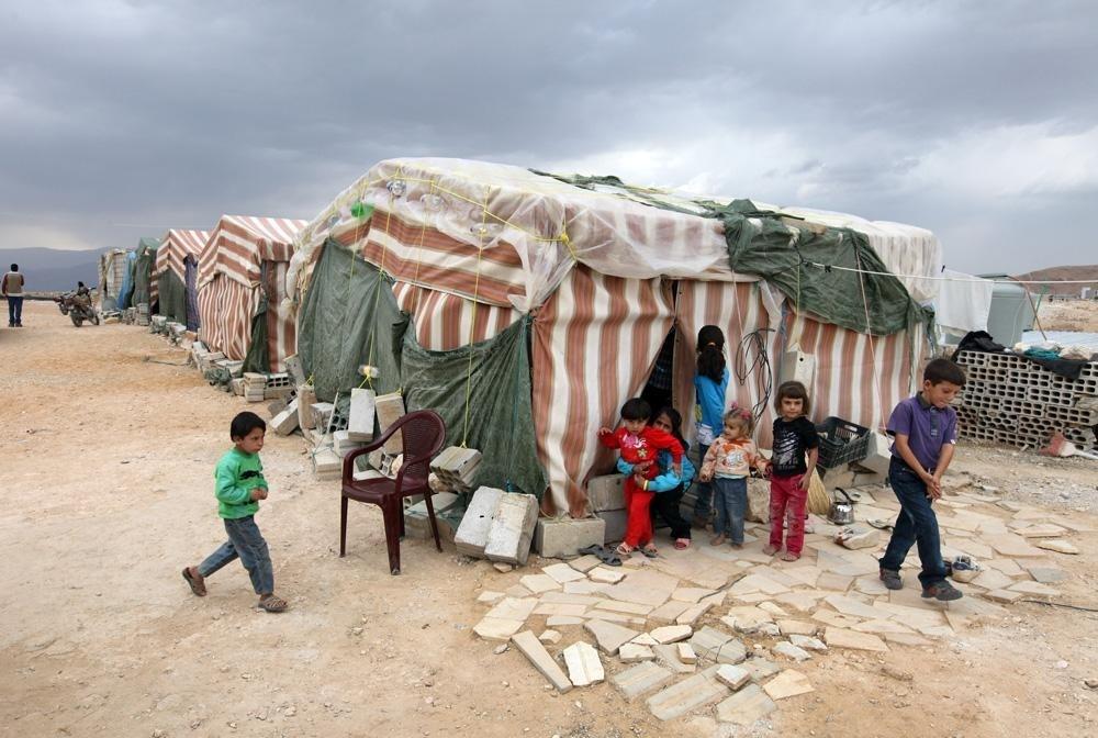 ما يستحق ويجب التوقف عنده هو ذلك الإنسان السوري الذي يكمل بعد شهرين عامه العاشر في الخيمة.