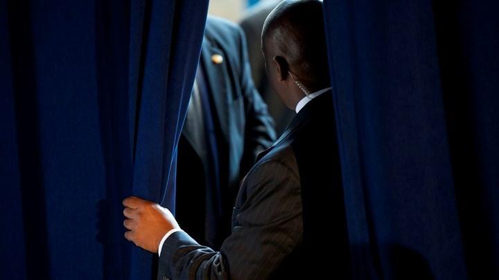 يتم فحص أفراد الخدمة السرية الذين يتولون حماية الرئيس الأميركي بشكل دوري.