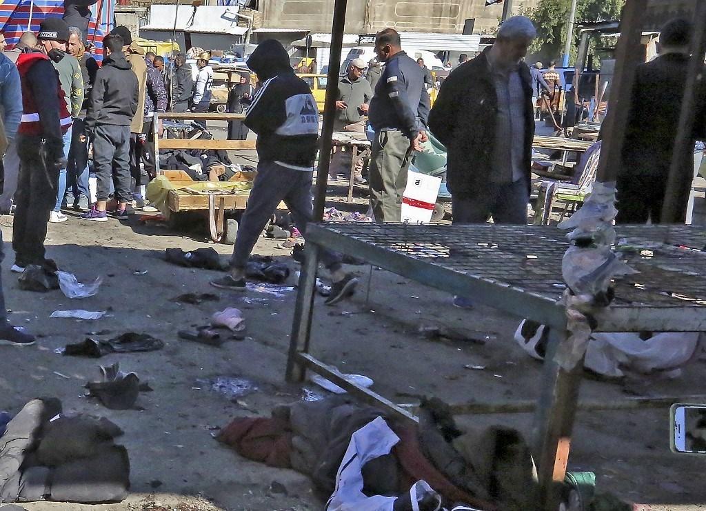 من التفجير المزدوج في شارع تجاري مزدحم في قلب بغداد في 21 كانون الثاني (أ ف ب).