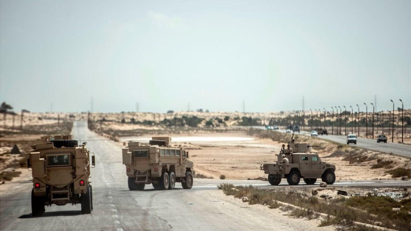 مصر: قتيل و3 جرحى بتفجير تبناه