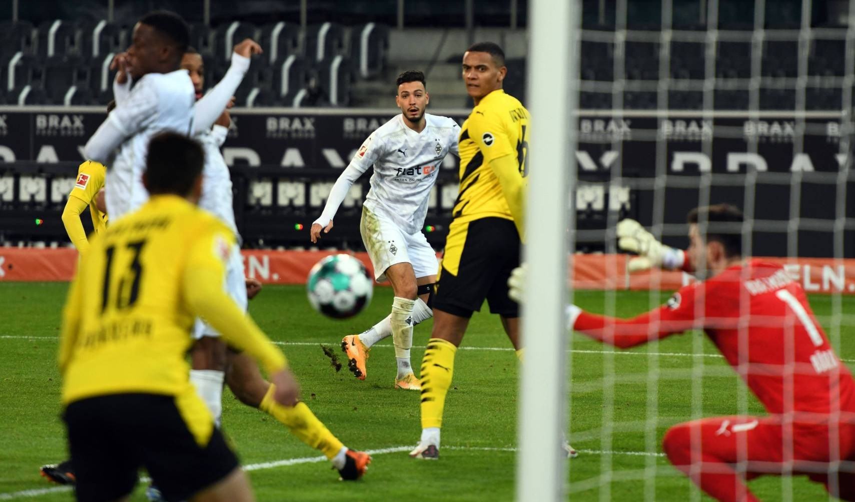 سجل رامي بن سبعيني الهدف الثالث
