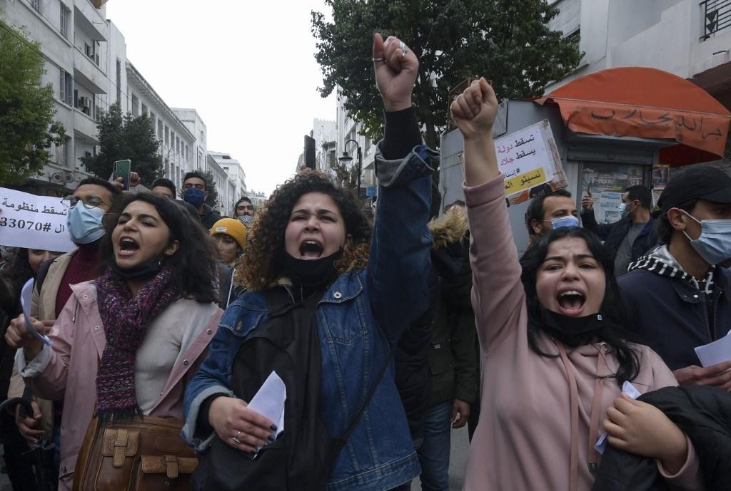 النابتي للميادين: رموز البرلمان التونسي مكانهم السجن والشرعية سقطت