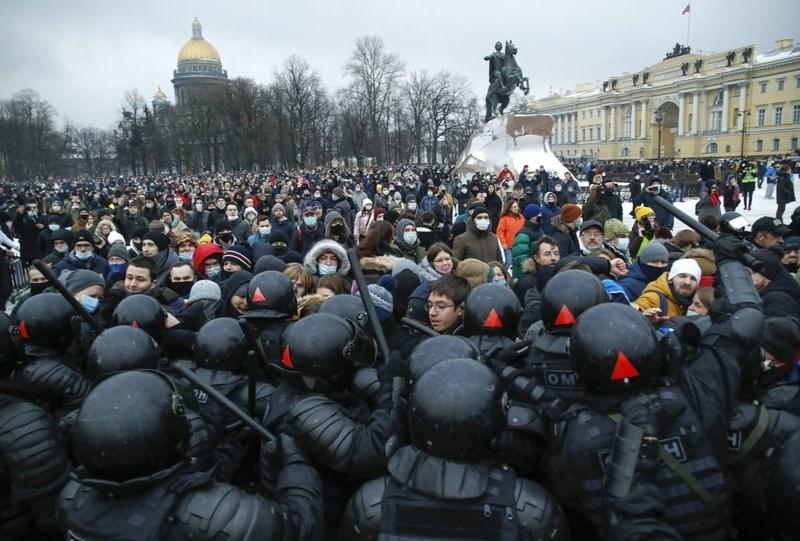 تحريض أميركي.. الخارجية الروسية تتهم واشنطن بتشجيع الاحتجاجات (أسوشيتد برس)