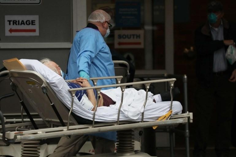 المتوسط الأسبوعي للإصابات الجديدة في أميركا يسجل انخفاضاً بعد بلوغه ذروته في 12 كانون الثاني/يناير