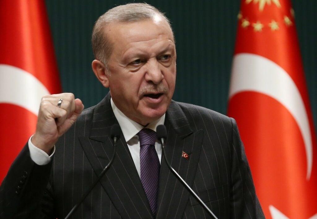 إردوغان يدلي ببيان بعد ترؤسه اجتماع مجلس الوزراء في أنقرة - 14 ديسمبر 2020 (أ.ف.ب)