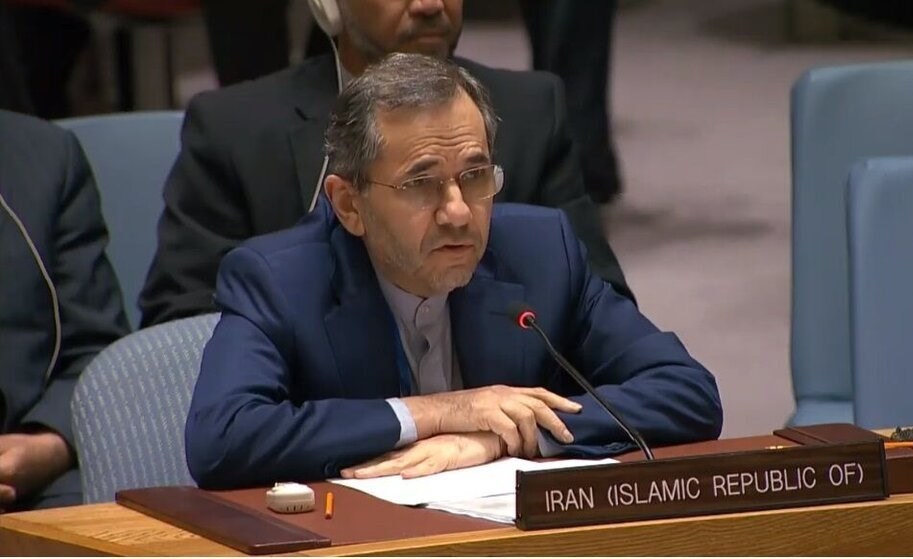 مندوب إيران الدائم لدى الأمم المتحدة مجيد تخت روانتشي.