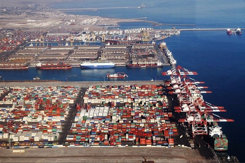إيران تنوي إنشاء أضخم مرفأ تجاري شرق مضيق هرمز