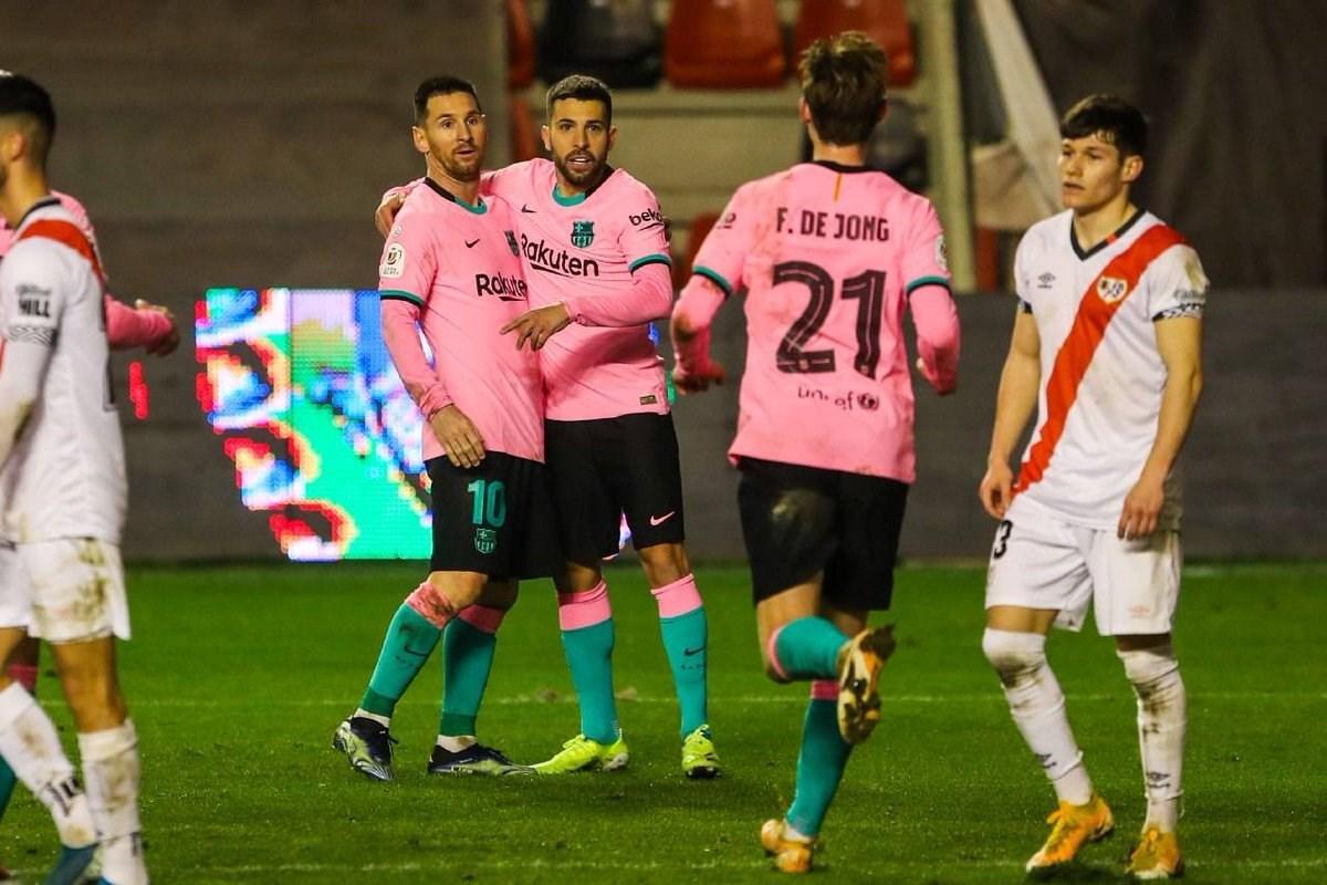سجّل ميسي ودي يونغ هدفَي برشلونة