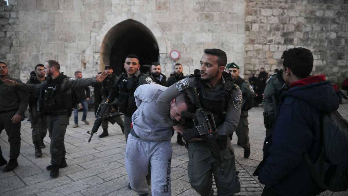 مركز فلسطين: 2000 حالة اعتقال من القدس خلال العام الماضي