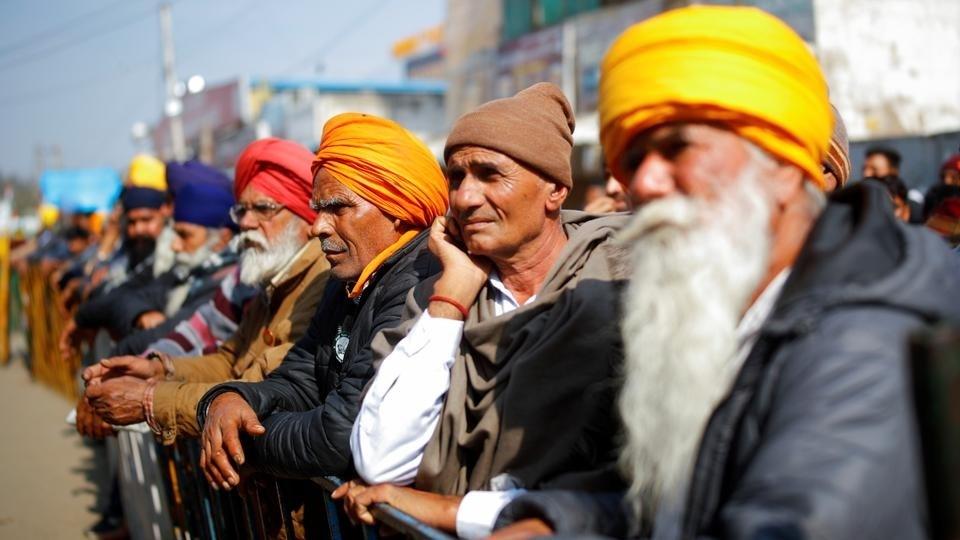 آلاف المزارعين الهنود يضربون عن الطعام.. والسلطات تحجب الانترنت في محيط العاصمة