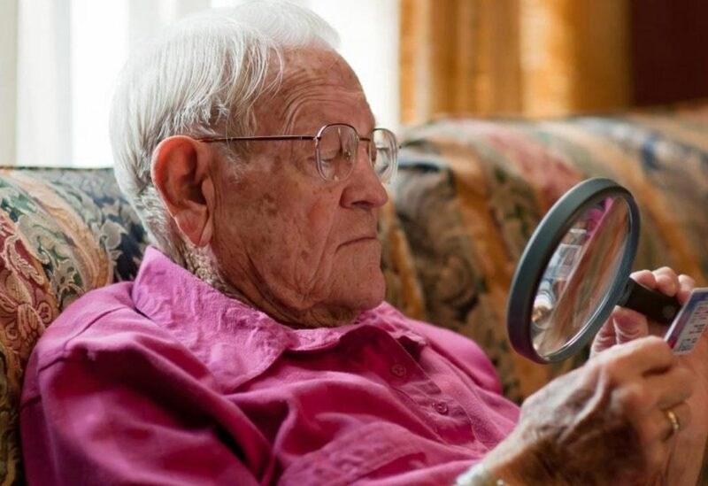 بريطانيا تعتمد عقاراً يبطئ فقدان البصر لدى كبار السن وينقذ من العمى