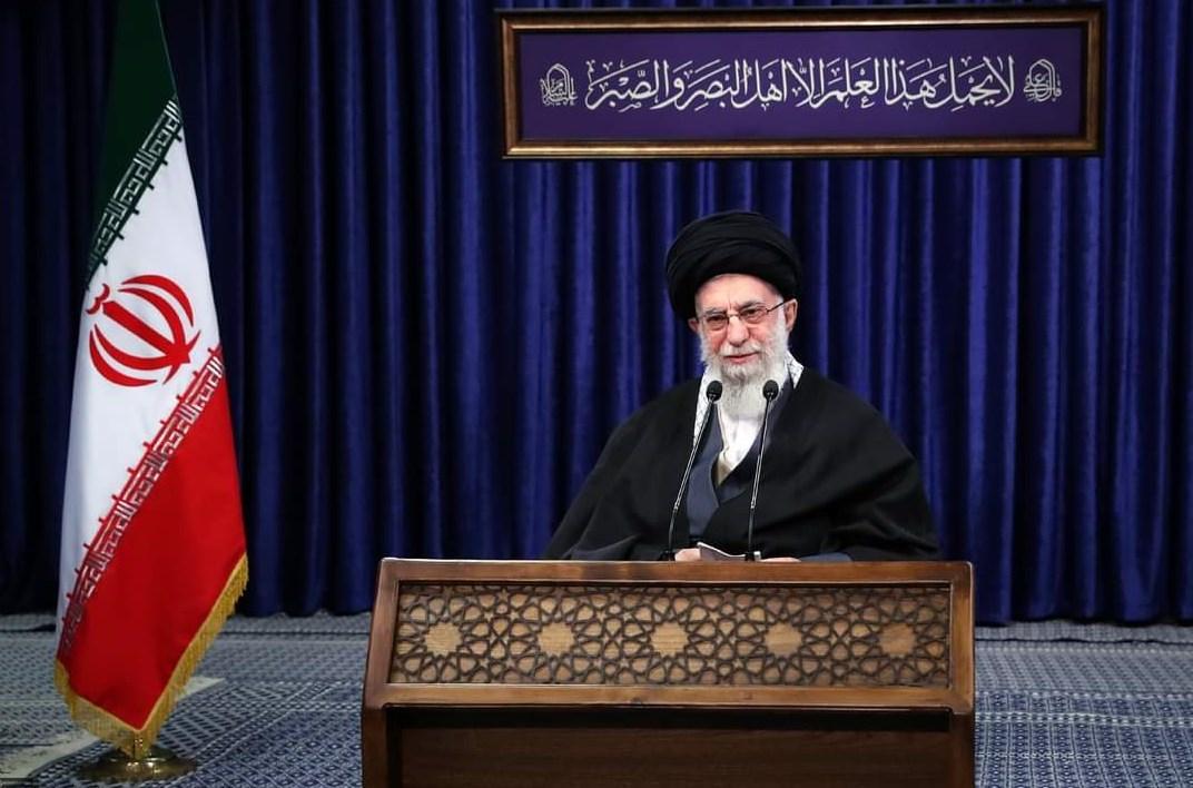 السيد خامنئي: وجودنا بالمنطقة يعزز أمنها.. ونطالب برفع العقوبات الأميركية