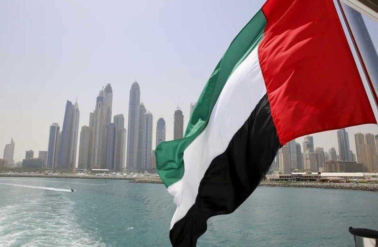 الإمارات ستعمل على إعادة فتح كافة المنافذ البرية والبحرية والجوية أمام الحركة القادمة والمغادرة مع قطر