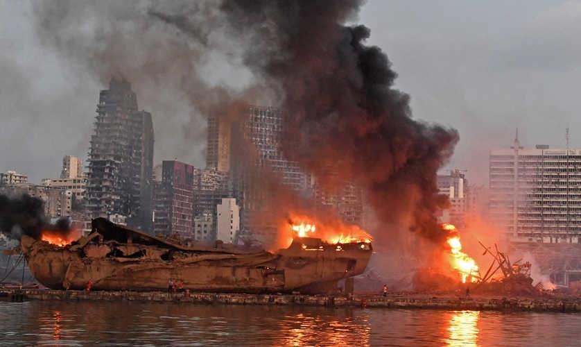 على مستوى الثغر القضائية، أخطاء بالجملة في التحقيق بانفجار مرفأ بيروت.