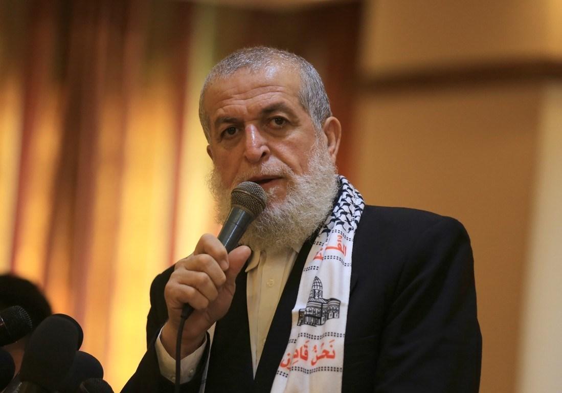 الشيخ عزام: رفضنا المشاركة في النقاشات بالقاهرة لأنها تحت سقف