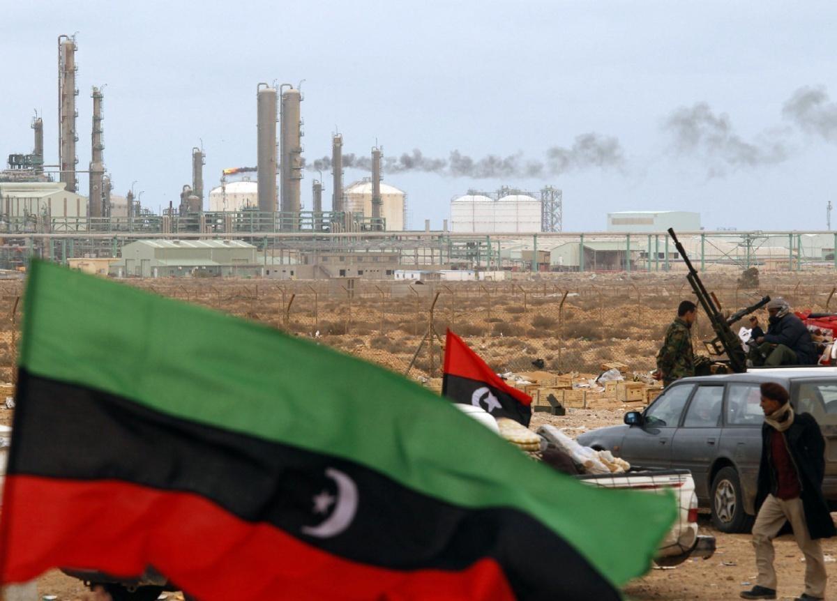 ليبيا من الوفرة إلى الانهيار الاقتصادي بعد عشر سنوات من الحرب