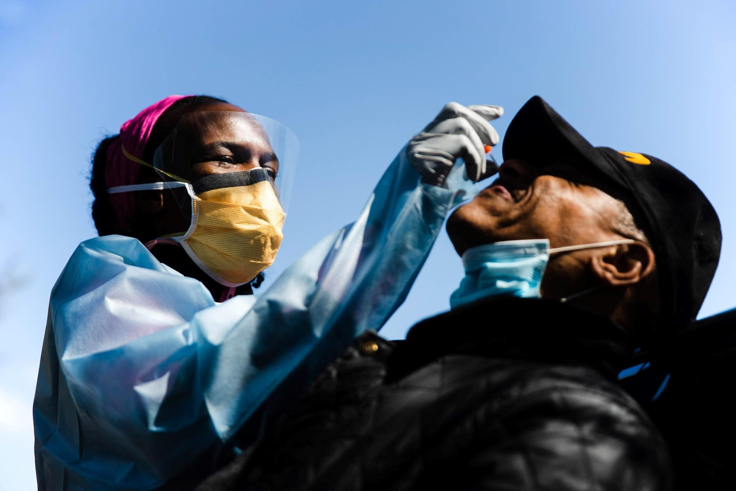 سي دي سي: تلقى 5,4% من الأميركيين الأفارقة الجرعة الأولى من لقاحين مرخّص لهما في البلاد
