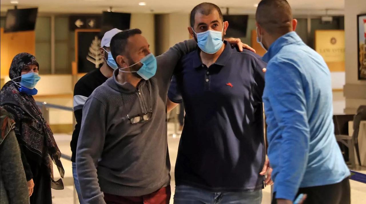 عودة ثمانية لبنانيين احتجزتهم الإمارات بعد اتفاق بين البلدين لإطلاق سراحهم