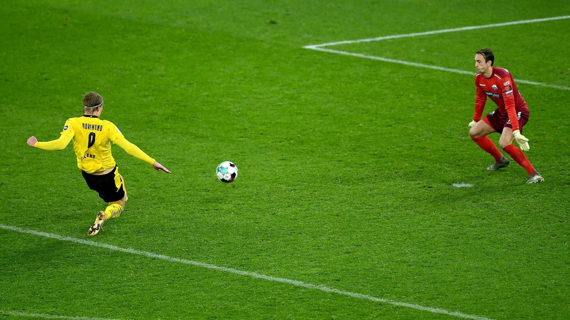 هالاند مسجّلاً هدف الفوز