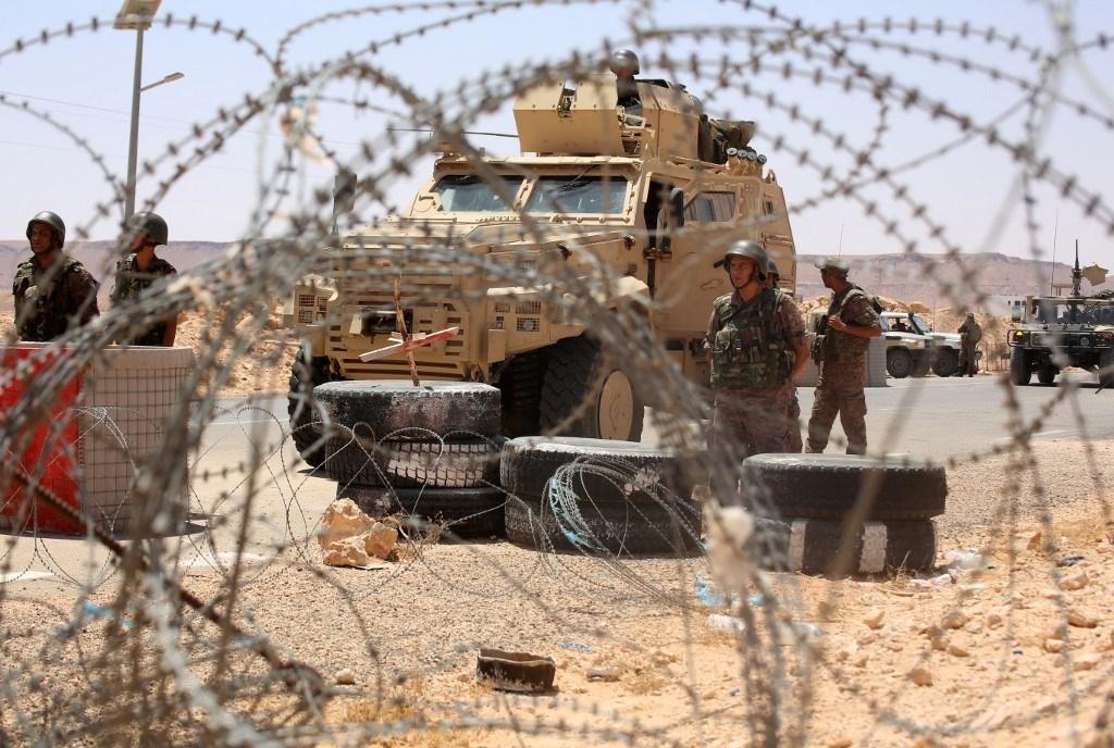 استشهاد 4 عسكريين تونسيين بعبوة ناسفة في جبل مغيلة