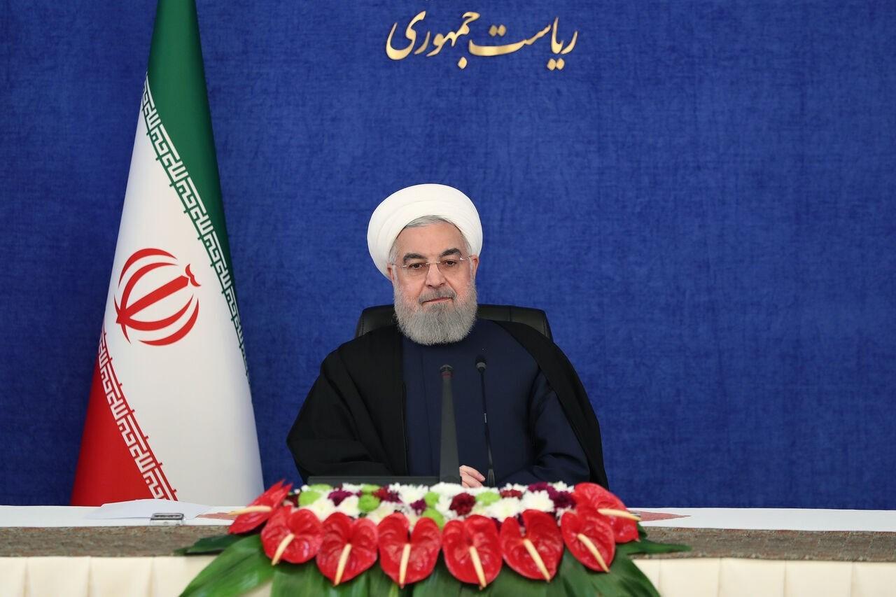 الرئيس الإيراني حسن روحاني في اجتماع الحكومة الاسبوعي.