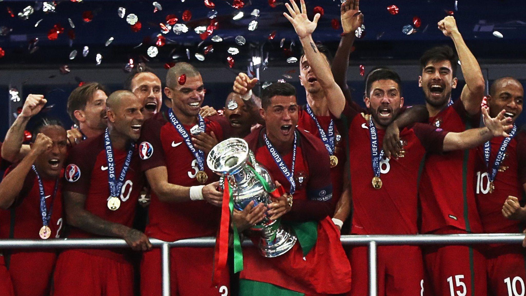 كريستيانو رونالدو بطلاً لكأس أمم أوروبا في العام 2016