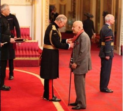 نال عطا الله عام 2017 وسام (CBE) رفيع المستوى