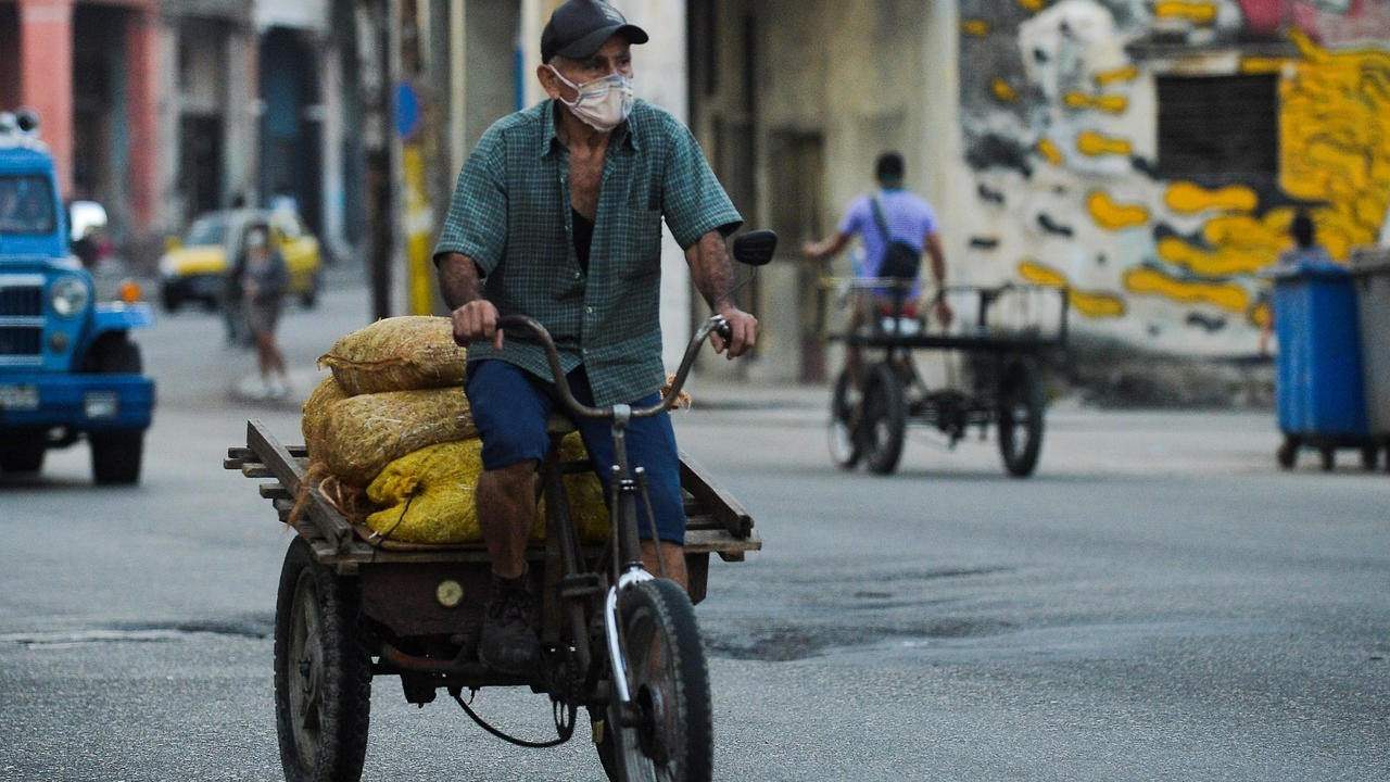 كوبا تسمح للشركات الخاصة بالاستثمار في معظم القطاعات الاقتصادية