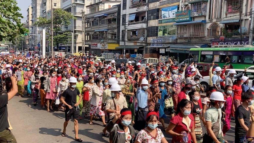 تظاهرات في بورما ضد الانقلاب العسكري