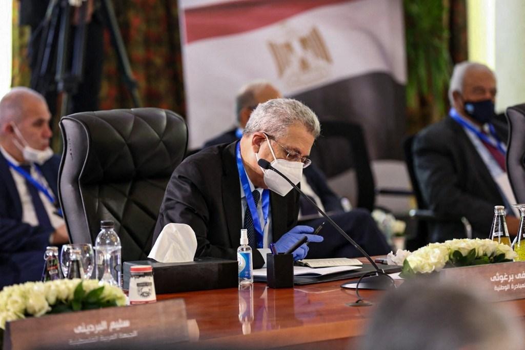 زعيم حزب المبادرة الوطنية الفلسطينية في الحوار الوطني الفلسطيني في القاهرة 8 فبراير 2021 (أ ف ب).