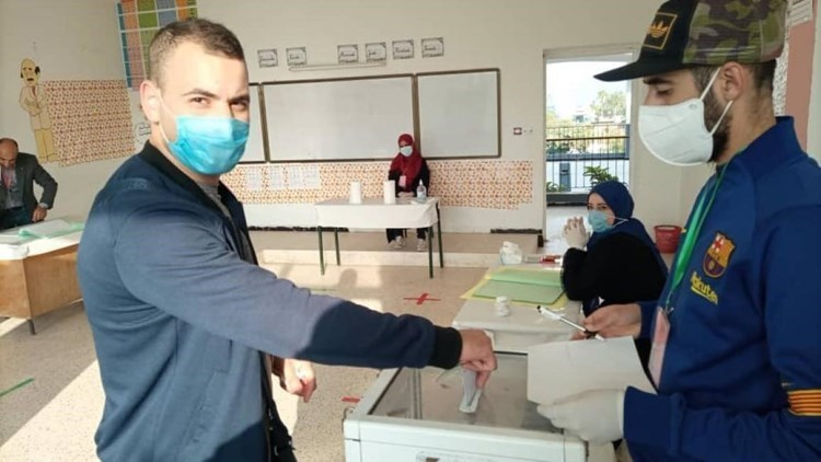 Voting began in 34 mobile offices distributed in different regions in Algeria.