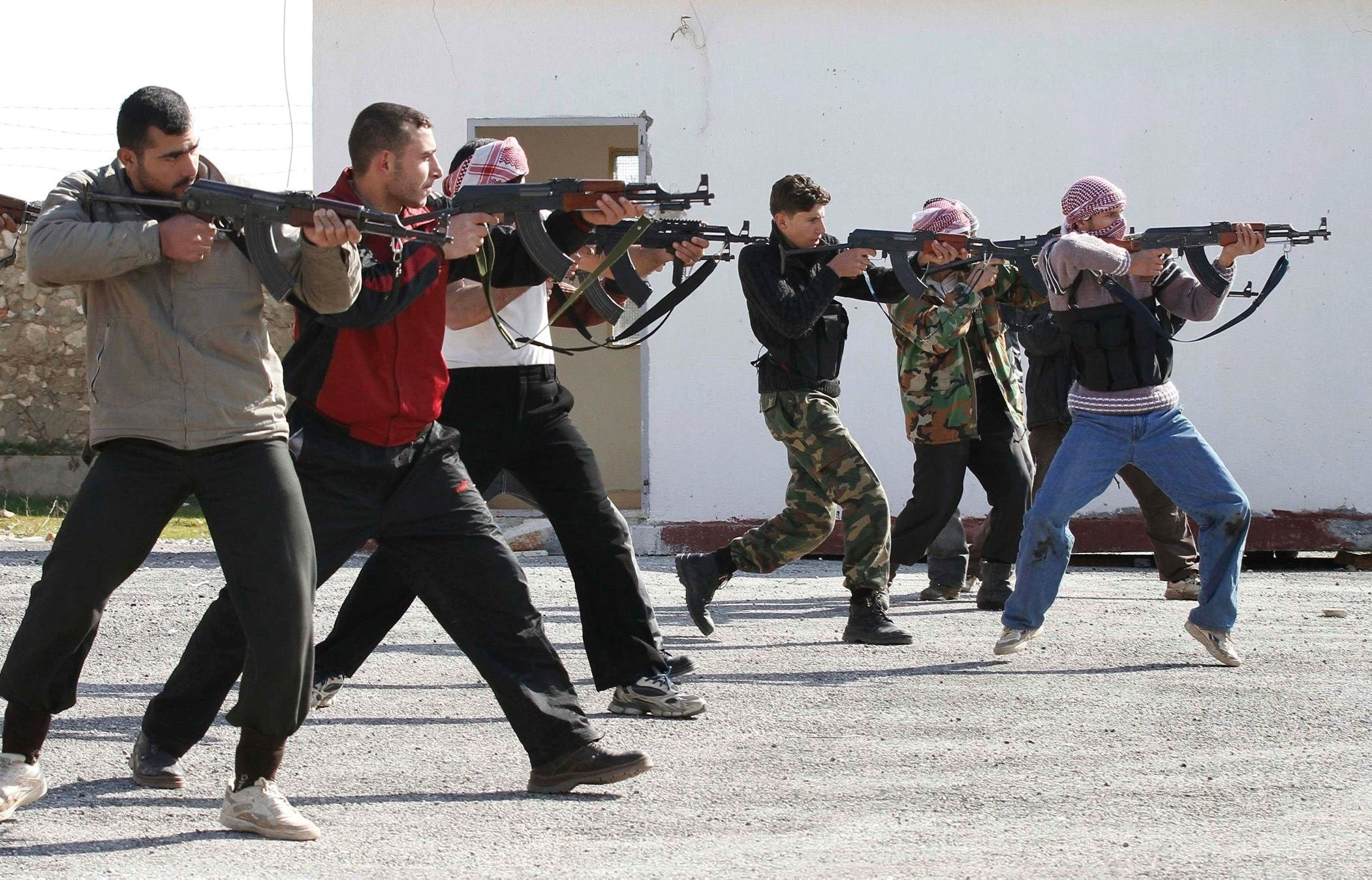 In Video: US Trained Militants, 'ISIS' Members