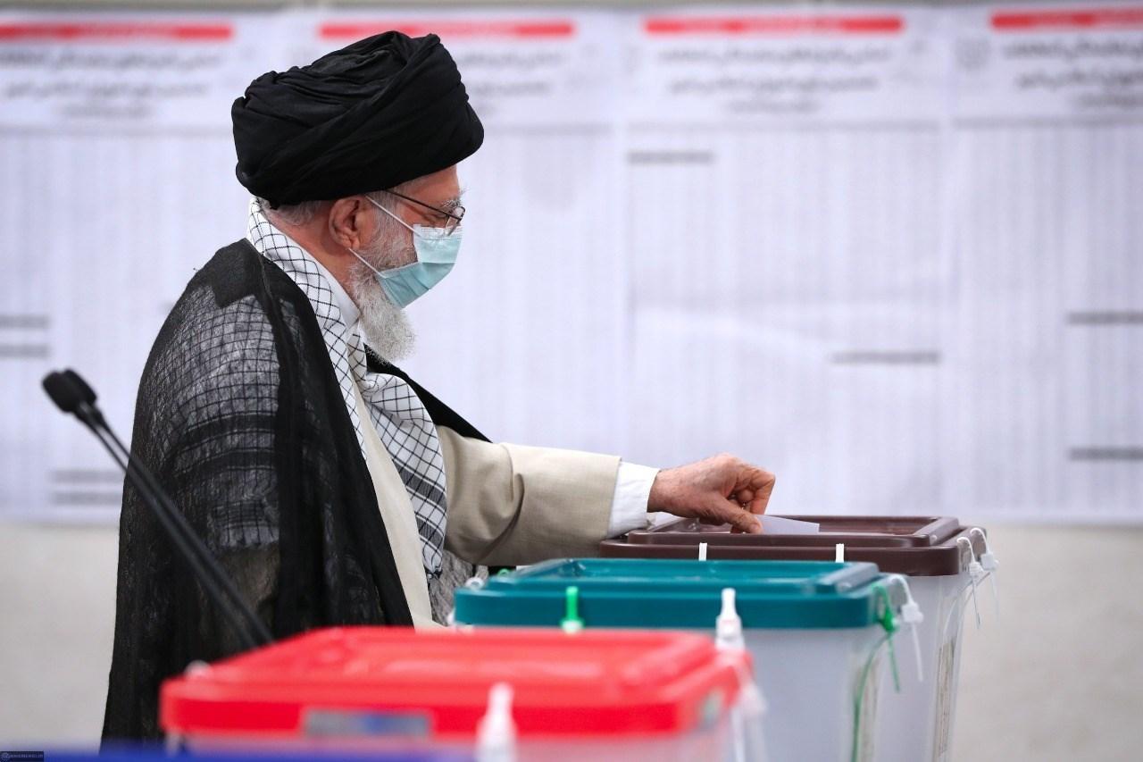 Sayyed Khamenei: Iranian People Decide Fate of Country