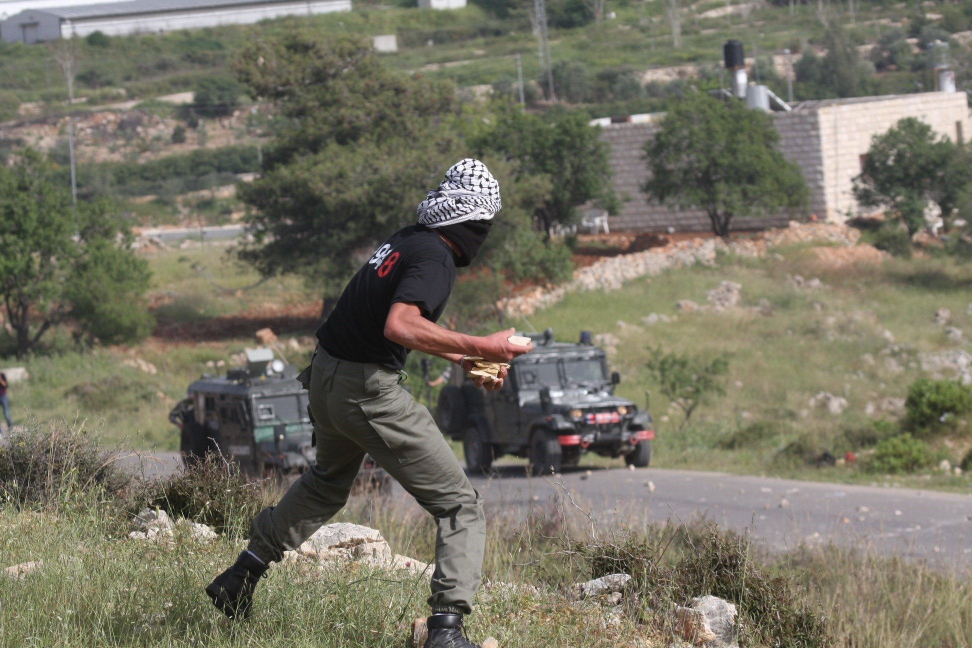 More than 320 Palestinians were hurt in confrontations with Israeli occupation forces